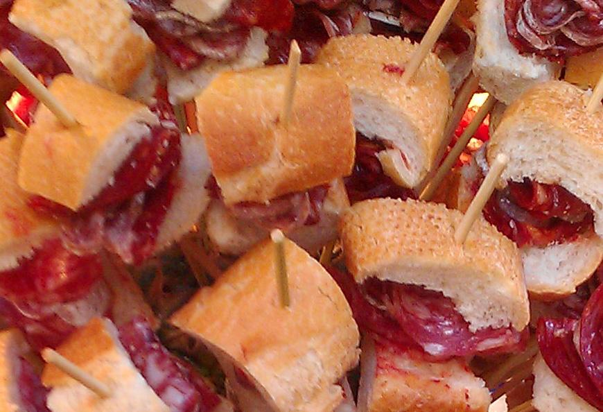 """Rezept: Dauerwurst """"Salchichón"""" Und Bellota """"Chorizo"""" Spieße"""
