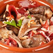 Rezept: Tapas Pilze mit Schinken und Pinienkernen