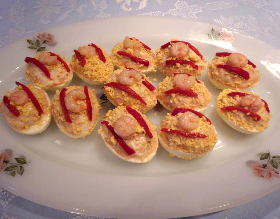 Rezept: Gefüllte Eier mit Bonito del Norte (Thunfisch)