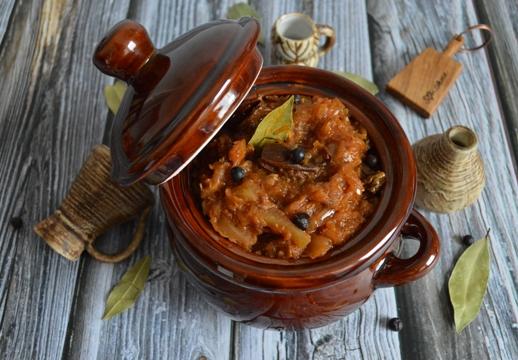 Bigos mit Serrrano Schinken und Chorizo