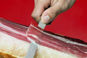 Wissen Sie, warum es wichtig ist, Ihren Iberico-Schinken richtig zu schneiden?